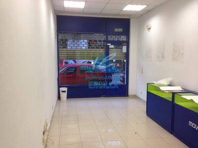 Local comercial bien instalado en Bilbao - Santutxu