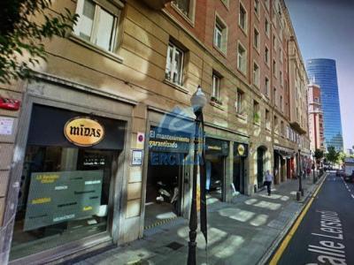 Local comercial con licencia de taller en Bilbao - Abando