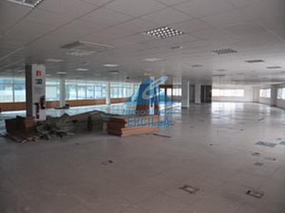 Oficina con garajes en Alto Nervión - Basauri