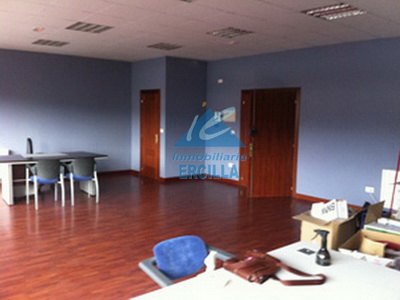 Oficina muy luminosa en Alto Nervión - Basauri