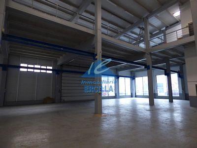 Nave industrial en primera linea de carretera en Alto Nervión - Miraballes