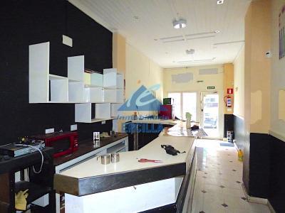 Local comercial en venta junto Autonomía en Bilbao - Indautxu