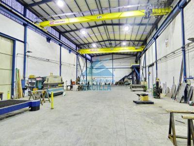 Nave industrial con grua en Txorierri - Derio