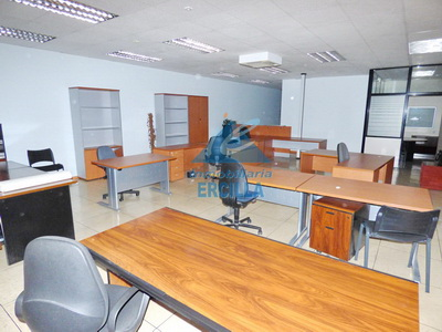 Oficina en edificicio comercial en Txorierri - Asua