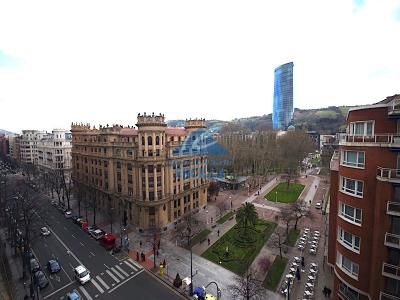 Piso con terraza en Gran Vía en Bilbao - Indautxu